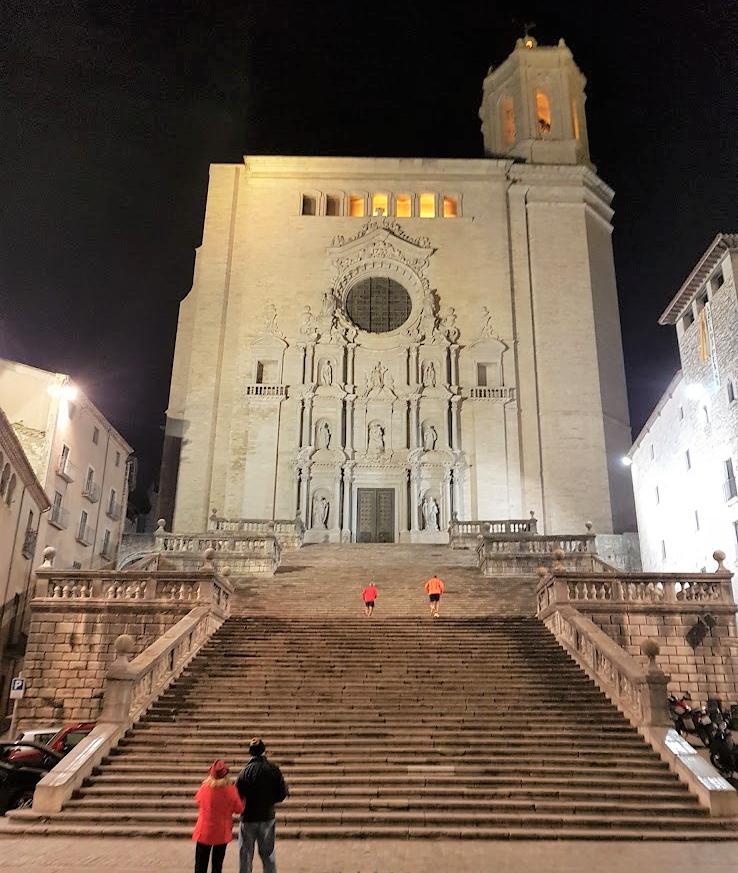 La Catedral de Girona de noche, El gran septo de desembarco del Rey, juego de Tronos