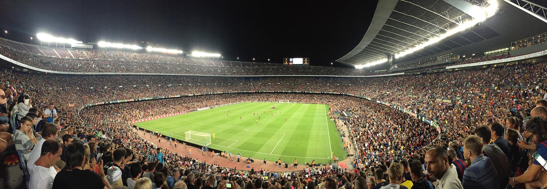 Camp Nou de noche
